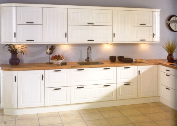 The Avondale Ivory kitchen design is available from Gee's Kitchens, Bedrooms & Flooring of Kildare.