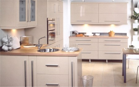 The Eclipse Cappuccino gloss kitchen is available from Gee's Kitchens, Bedrooms & Flooring of Kildare.