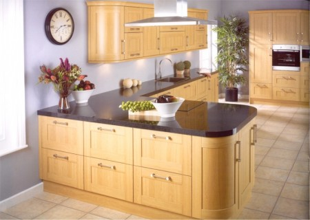 The Linea Oak Kitchen is available from Gee's Kitchens, Bedrooms & Flooring of Kildare.