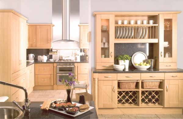 The Malham Shaker Oak Kitchen is available from Gee's Kitchens, Wardrobes & Flooring of Kildare.